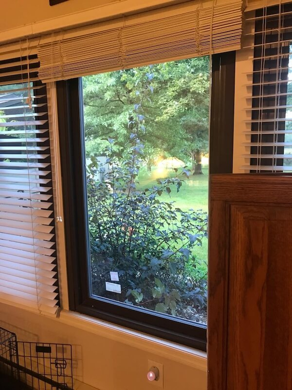 If you want to improve your homes comfort and energy-efficiency, replacing single-pane windows with dual-pane windows is a great decision. Get a free estimate from our team at Residential Glass.