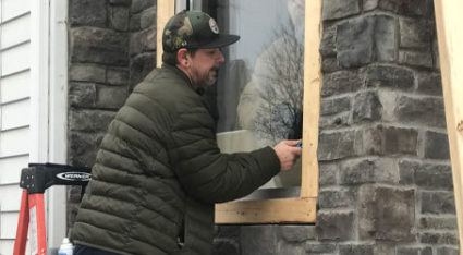 Have our team of glass experts properly install your new window or door glass. Call us for a free estimate!