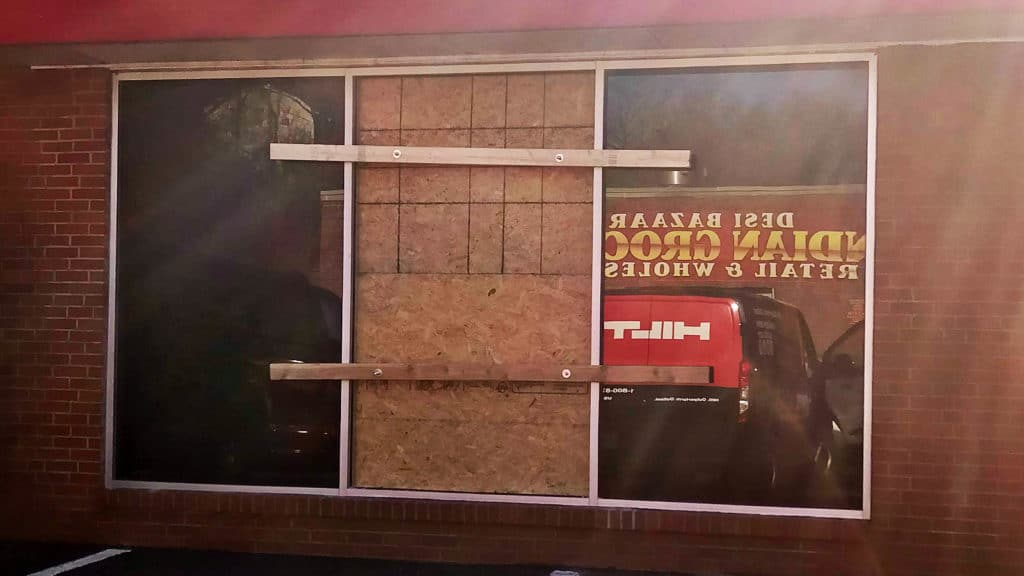 Need fast glass repair? We offer emergency glass repair and board-up services here in Pittsburgh.